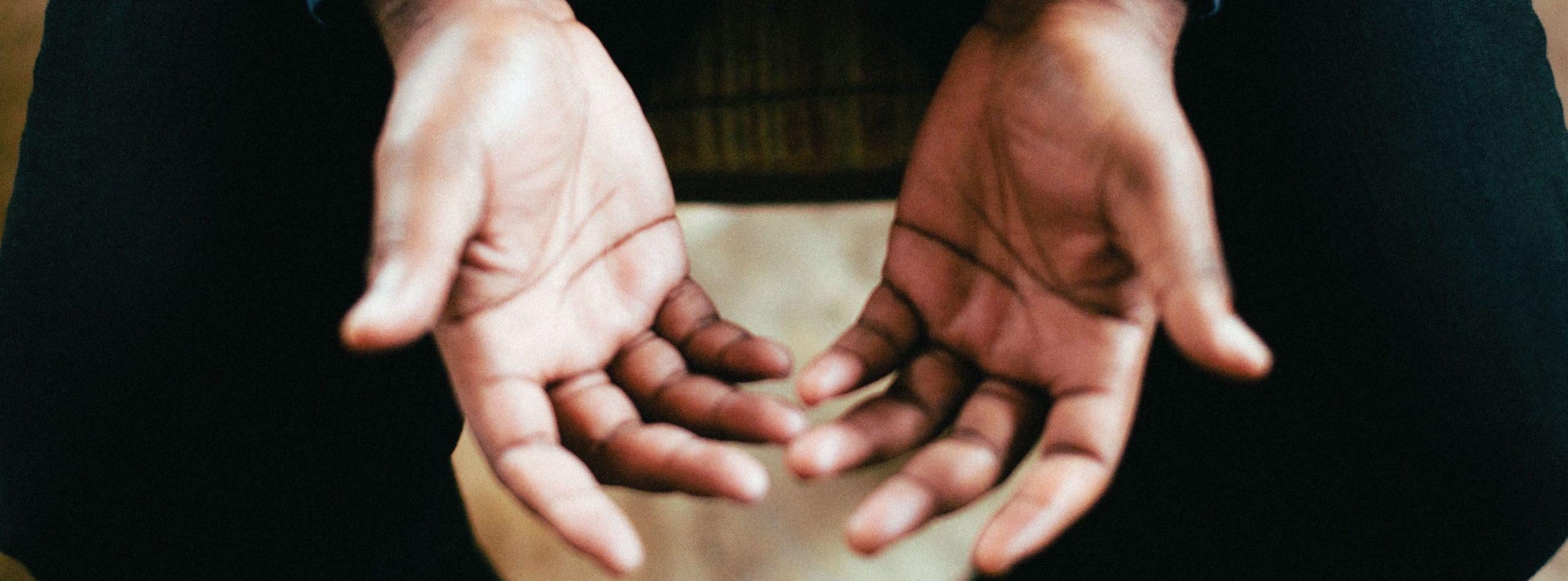 Mains - Comment avoir de belles mains ? 7 gestes à adopter - Dermophil